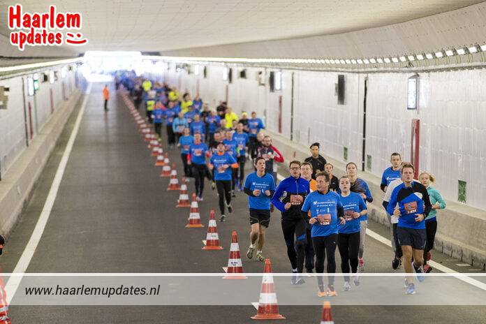 Velsertunnel Run: één groot hardloopfeest! Foto: Velsertunnel Run/Michel van Bergen.