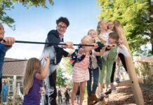Merijn Snoek opent Groen Schoolplein. Fotografie: Marisa Beretta.