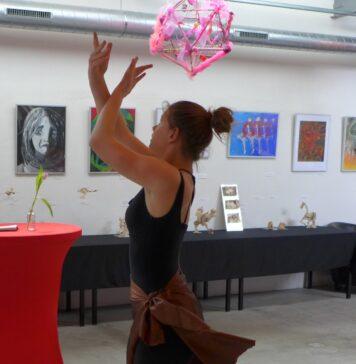 Kunst, sfeer, workshops en spraakmakend werk leerlingen Mendelcollege. Fotografie: Joke van Dijk.