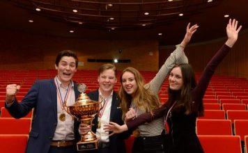 Mendelcollege is de allerbeste van Nederland: 20e Landelijk Debatkampioen NK Scholieren. PR foto Nederlands Debat Instituut.
