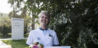 Mirjam uit Haarlem wint 10.000 euro in BankGiro Loterij. Fotografie: Jurgen Jacob Lodder.