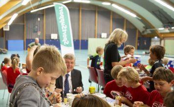 Een sportief feestje tijdens het eerste SportOntbijt in Bloemendaal. Foto: Renata Jansen Fotografie.
