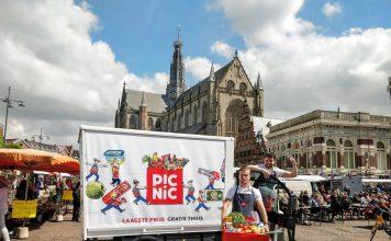Picnic maakt begin november zijn opwachting in Haarlem. De bijna 80.000 huishoudens die de stad rijk is, kunnen vanaf dat moment kennismaken met de online supermarkt. Ook in omliggende plaatsen worden straks boodschappen bezorgd. Ingezonden pr foto.